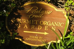 Restaurant With Organic Chef's Garden: The Parkway Grill